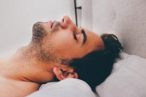 Découvrez 5 astuces 100% naturelles pour accélérer la pousse de la barbe !