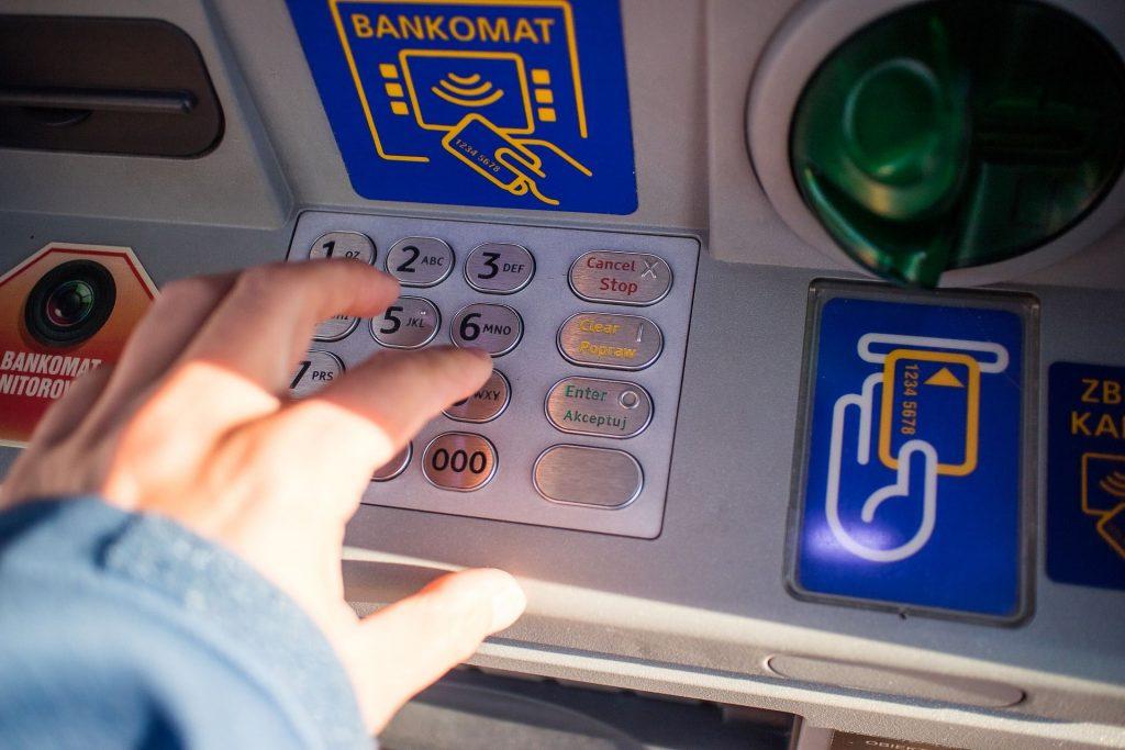 L'appel des Gilets jaunes à retirer l'argent des banques