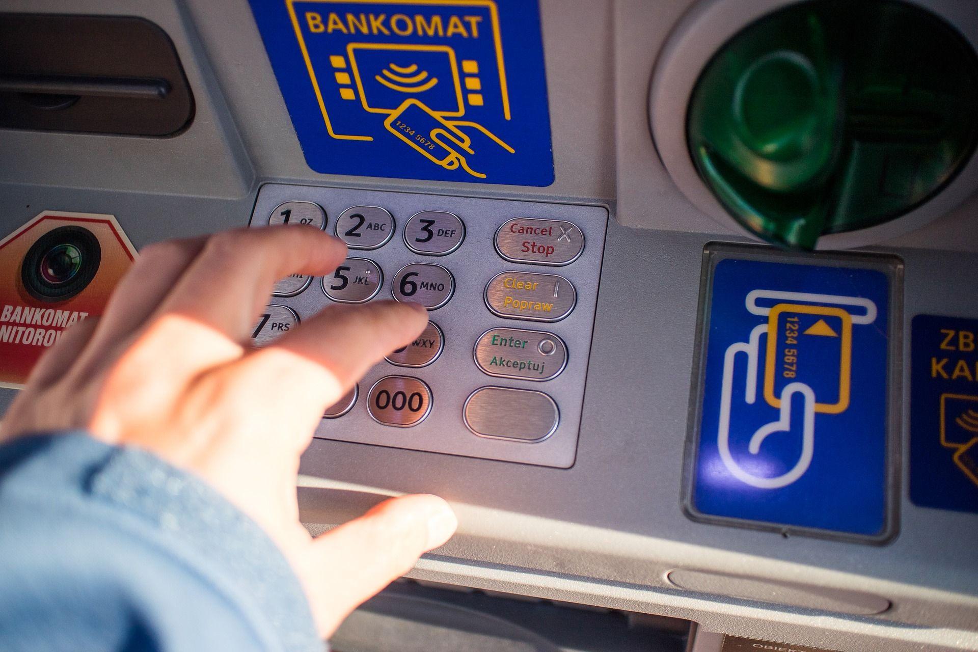 Découvrez l'appel des gilets jaunes à la panique bancaire.